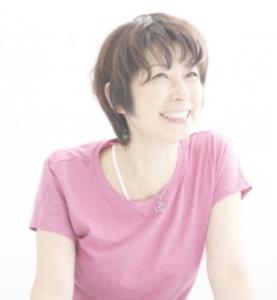 雑誌Yogini(ヨギー二)のオンラインヨガ!ロータスエイトレビュー